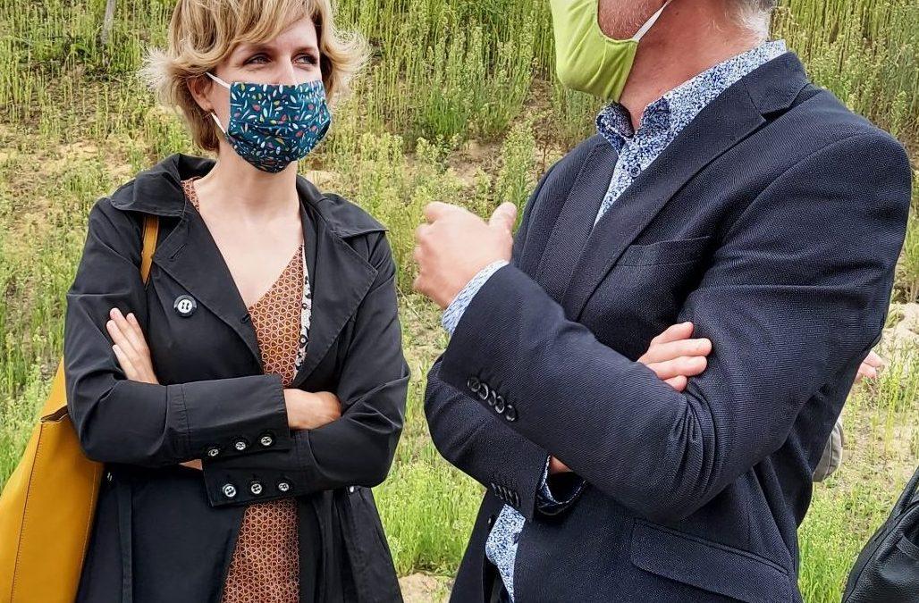 Société OMICA : la Ministre de l'Environnement Céline Tellier annonce le début de l'évacuation de 35.700 tonnes de déchets